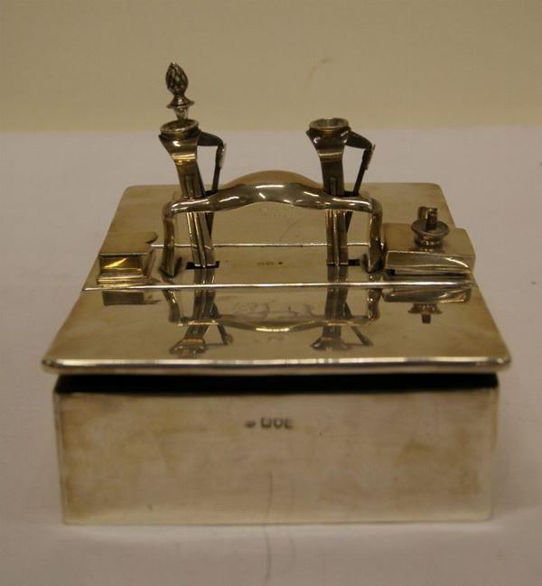 Grande scatola portasigari, Inghilterra, inizi sec. XX, in argento