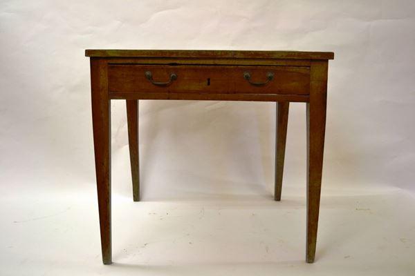 Tavolo, sec. XIX, in noce, piano rettangolare, fascia ad un cassetto, gambe troncopiramidali, cm 82x71x75, lievi danni