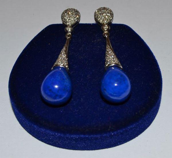 Paio di orecchini a goccia, in oro bianco, lapislazzuli e pavè di diamanti, peso oro g 6,5, diamanti ct. 0,20, marcati Torrini(2)