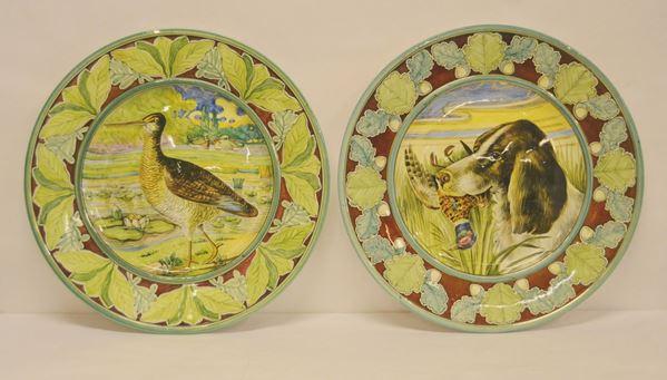 Coppia di piatti, sec. XX, in maiolica decorata ad ANIMALI (2)