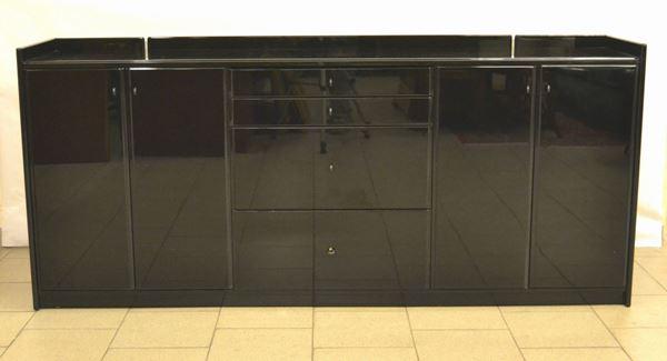 Credenza, produzione Poltronova, struttura in legno laccato nero a quattro sportelli e quattro cassetti, cm 194x42x85