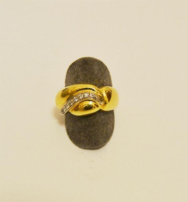 Anello in oro giallo con fila di brillantini, g 8,5