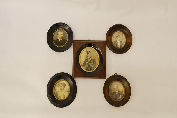 Cinque miniature, sec. XIX   PERSONAGGI  entro cornici  (5)