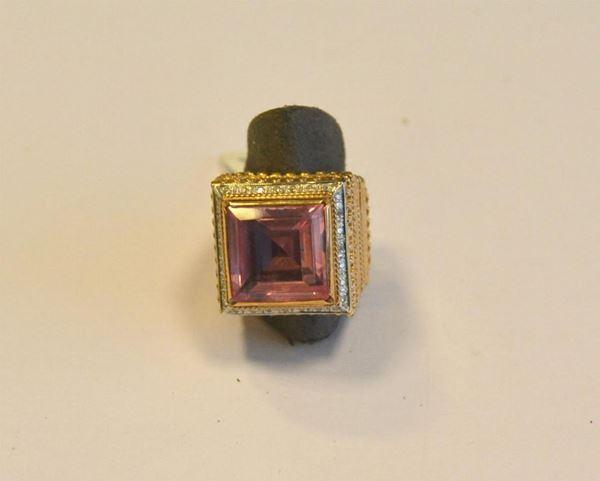 Anello in oro giallo, bianco titolo 375 ,diamanti e terbium