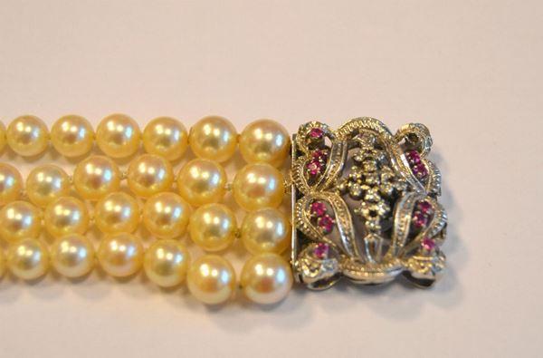Bracciale in oro bianco,perle,diamanti e rubini