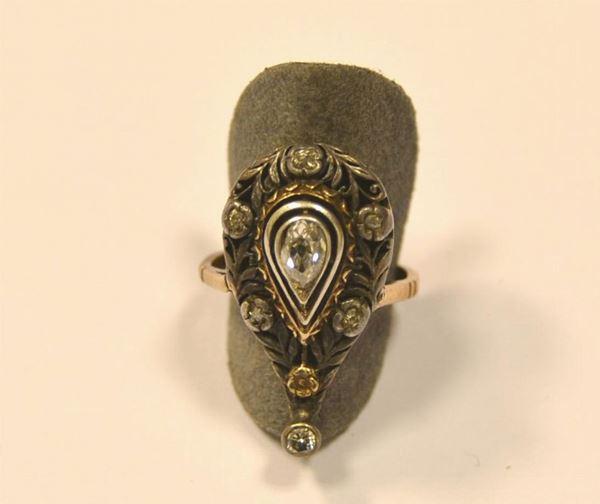 Anello in oro e argento e diamanti