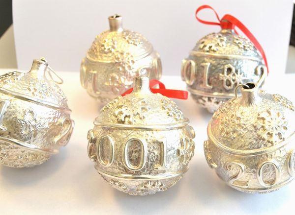 Ventinove sfere , per addobbi natalizi , in argento 925