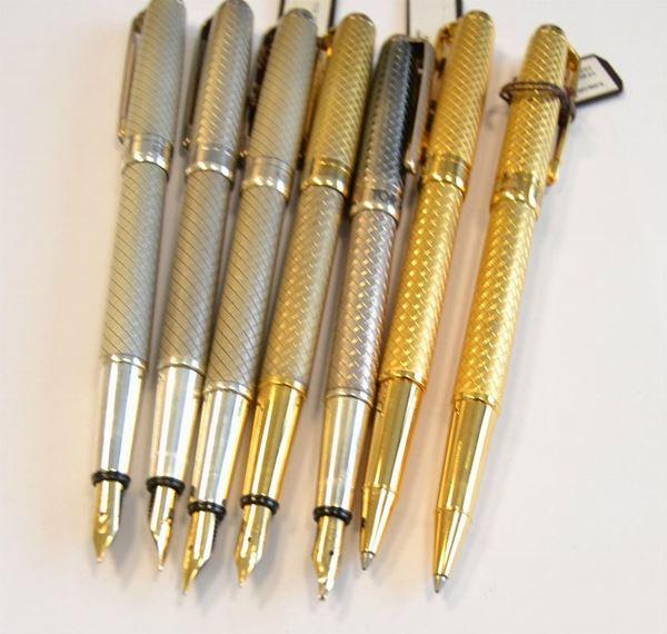 Cinque penne stilografiche e due penne biro, in argento 925