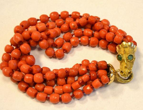 Braccialetto in oro e corallo