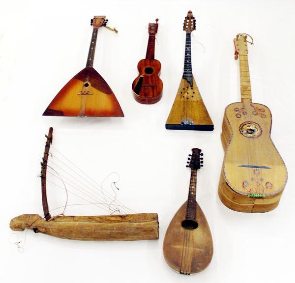Serie di strumenti musicali a corde, sec. XX,