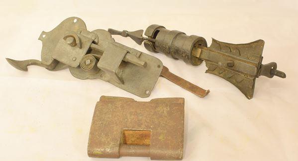 Tre serrature e chiusure sec. XVII/XVIII