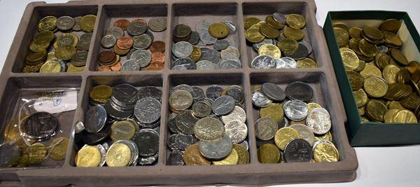 Lotto di circa seicento monete