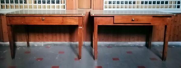 Due tavolini, sec. XVIII e sec. XIX, in legno dolce,