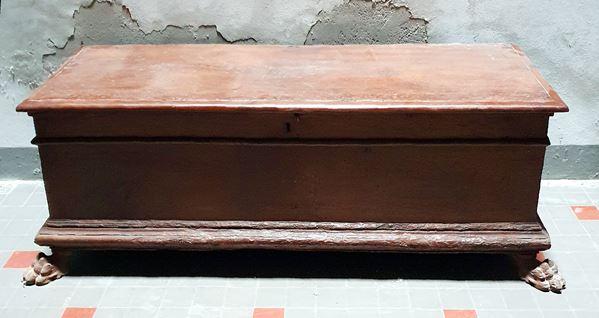 Cassapanca, sec. XVIII, piano rettangolare incernierato,