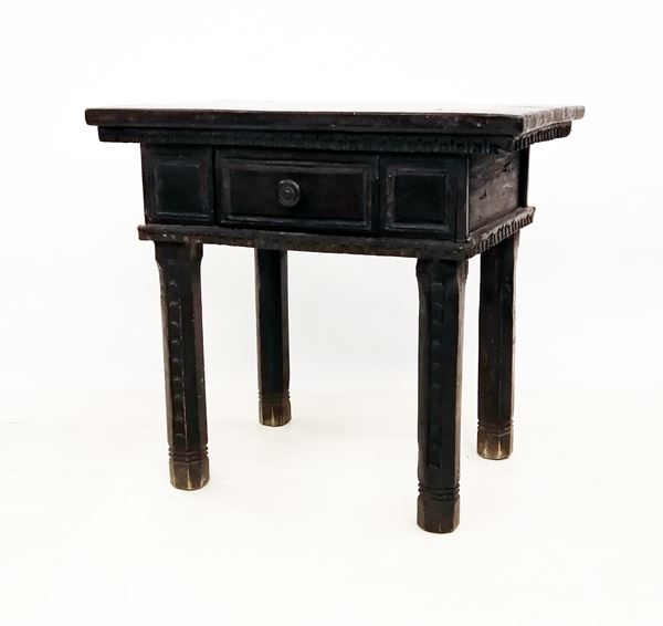 Tavolino, in stile 600